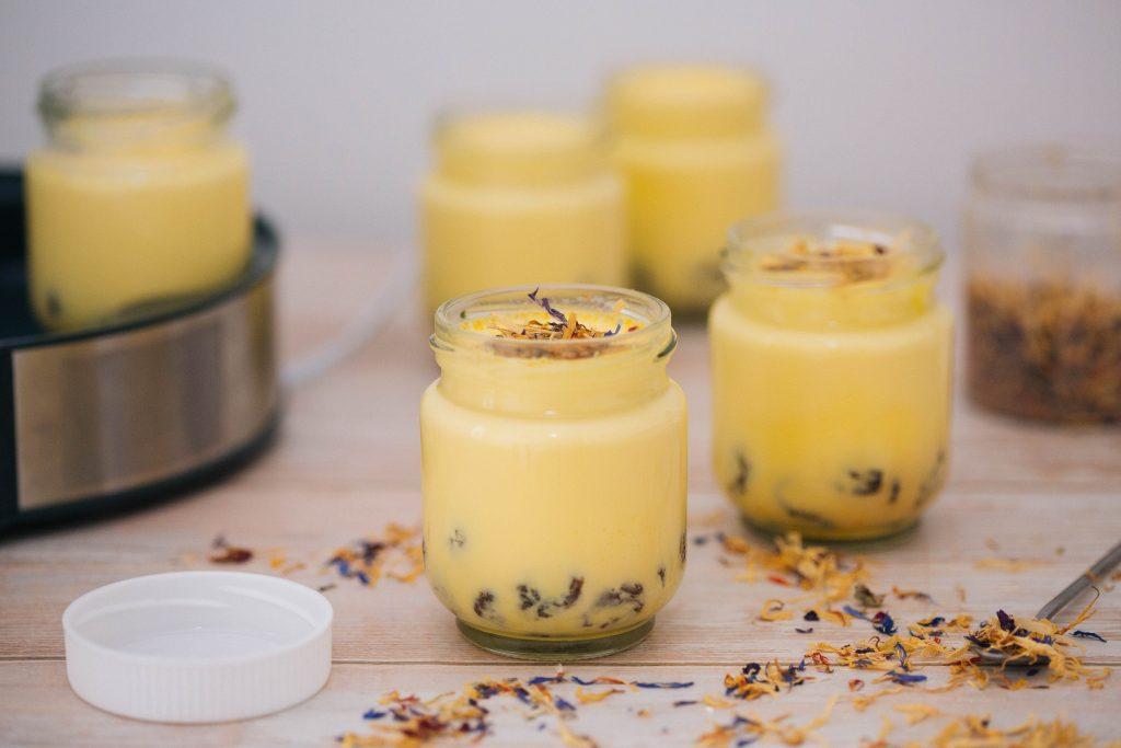 yoguresdeazafranenyogurteraLacor-10