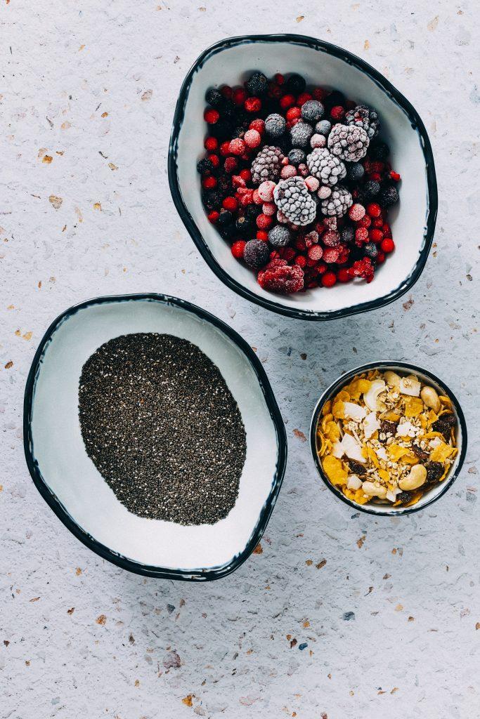 Pudding de chia, mermelada de frutos rojos y muesli1